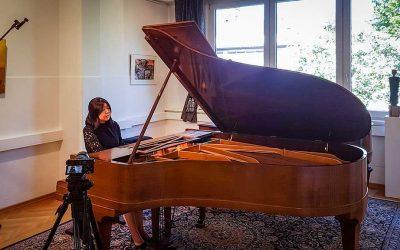 Update 27.04.2020 – Fotos vom KONZERT: Yizhuo Meng spielt zum Auftakt unserer Beethoven-Ausstellung Werke von L. v. Beethoven