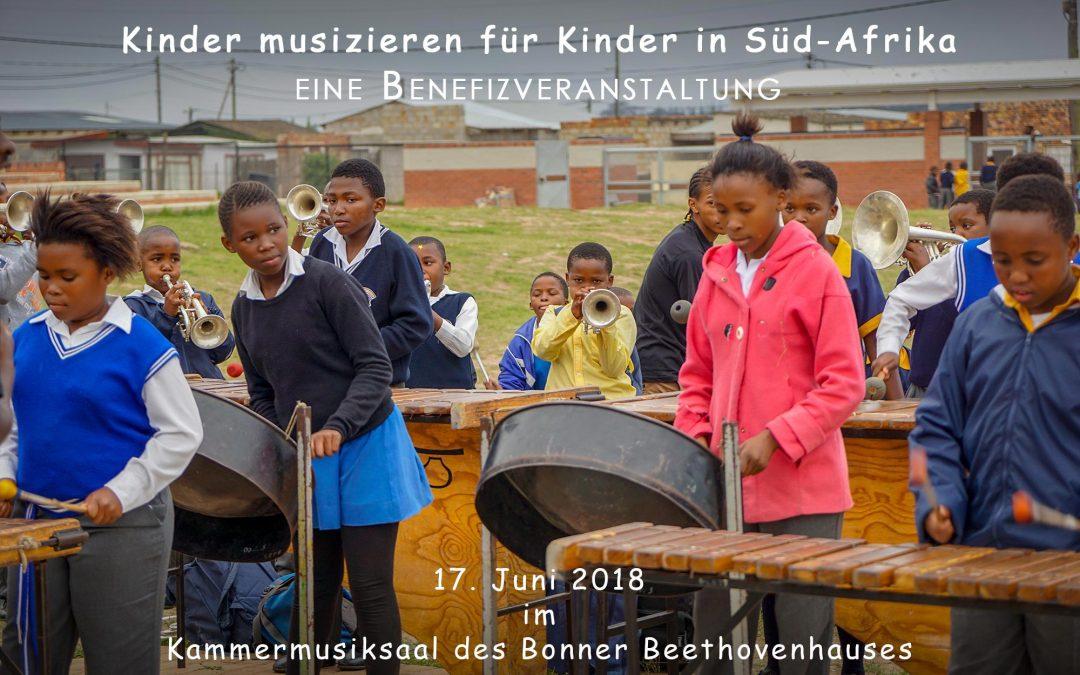 Musizierende Kinder in Süd-Afrika